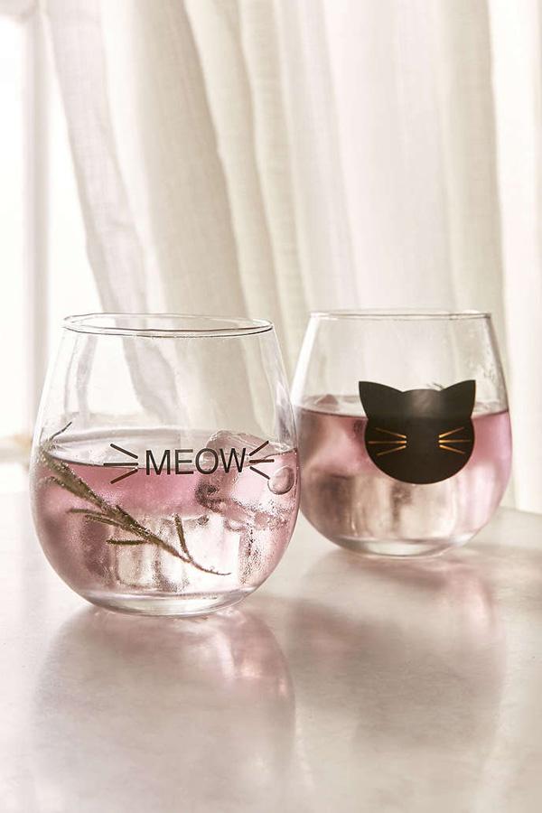 cat-wine-glass