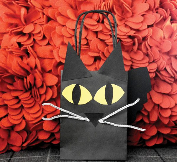 diy-black-cat-treat-bag-02