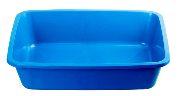 litter-box-cleaning-blue-plastic