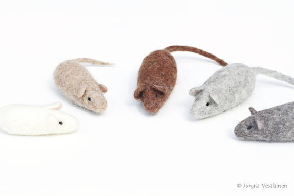 Cat Toy Mouse, EcoFeltStudio ($10.94). etsy.com